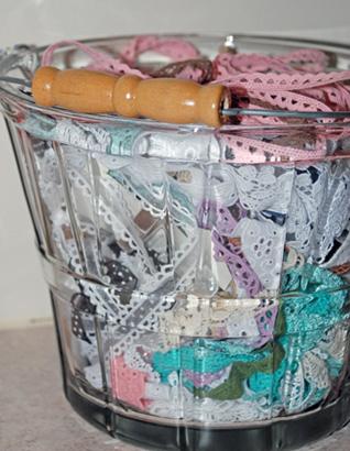 scraproom-bucket-of-lace